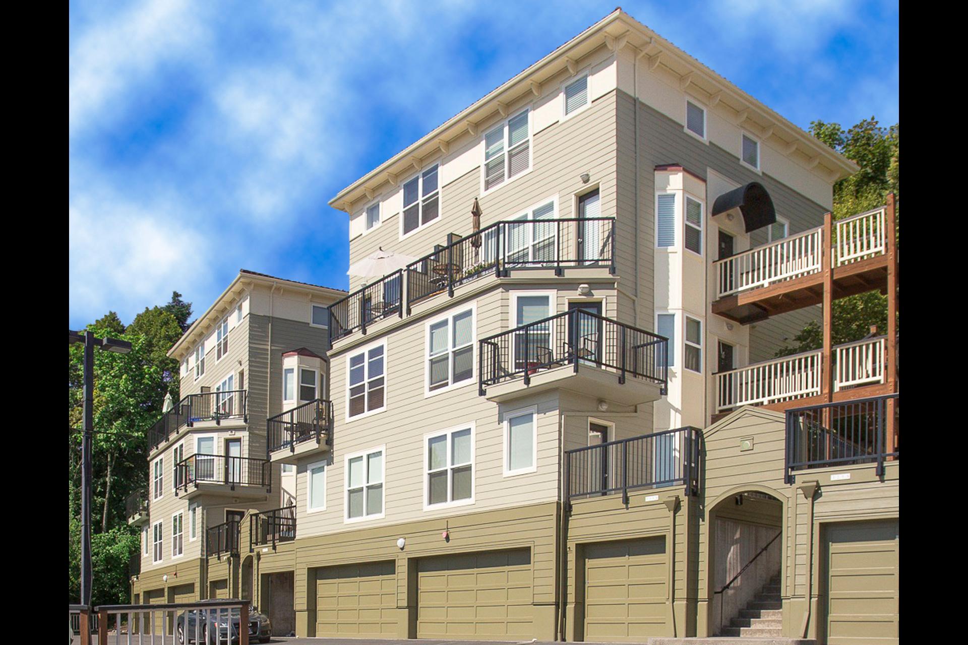 hilltop-condominiums-uptown-image-1