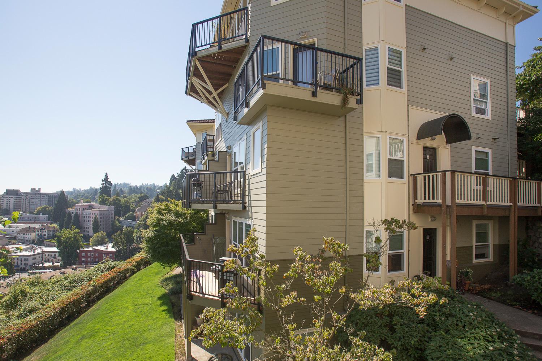 hilltop-condominiums-uptown-image-2